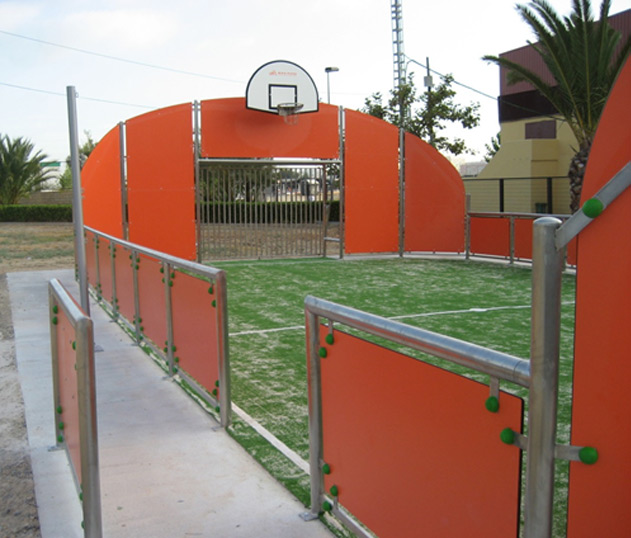 Multisport court with moved side panel